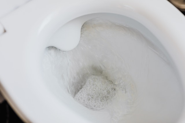 How to remove rust from your toilet